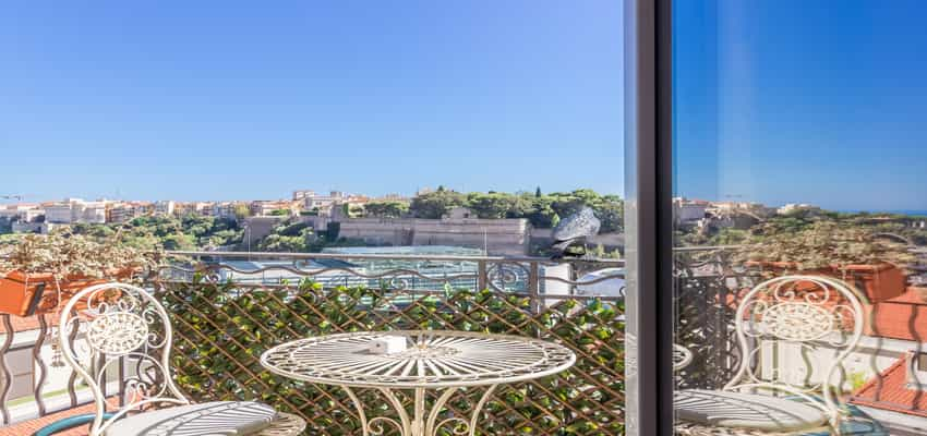 Monaco Properties - 6 ROOMED APARTMENT IN A BOURGEOIS BUILDING